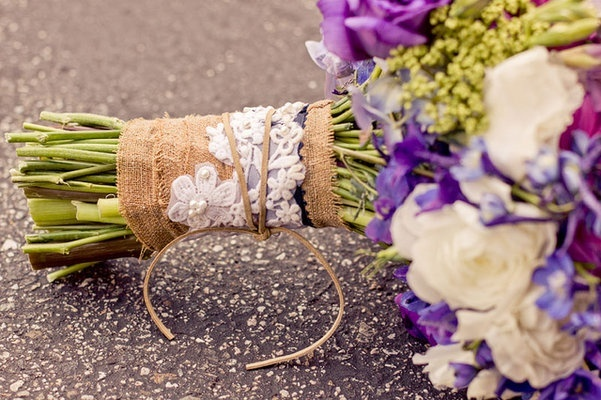 burlap bouquet wrap